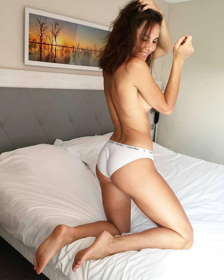 Andja Lorein Feet