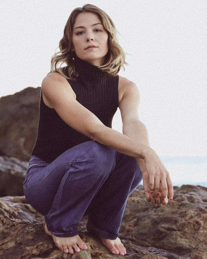 Nicole Olney Feet
