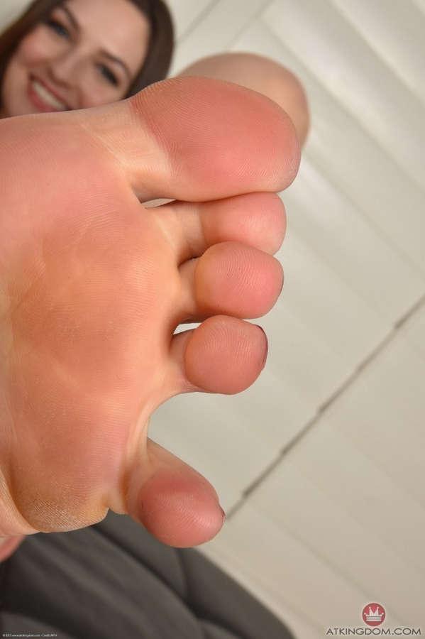 Pepper Xo Feet