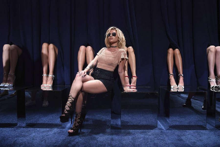 Chelsea Chanel Dudley Feet
