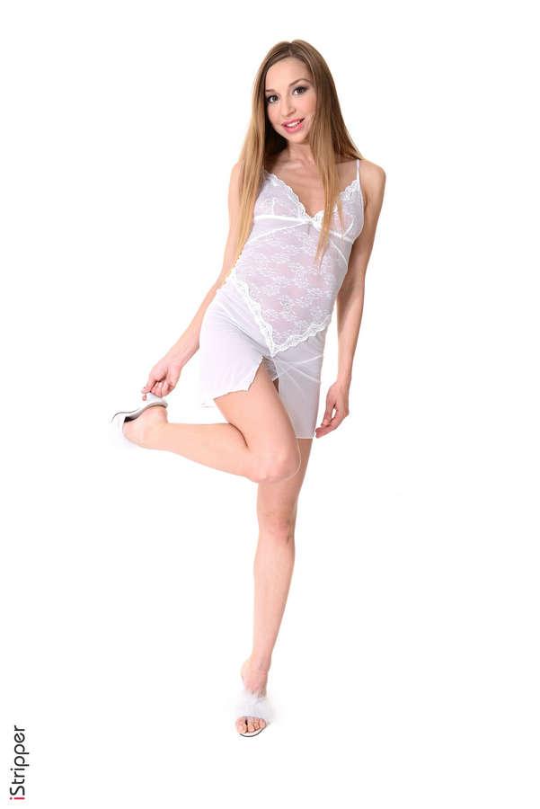 Leila Mazz Feet