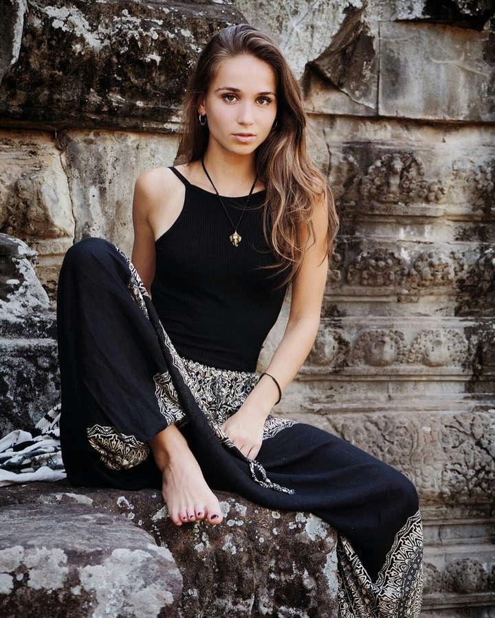 Cosima Henman Feet