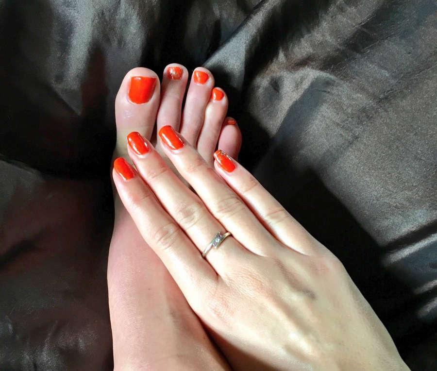 Cara Steel Feet