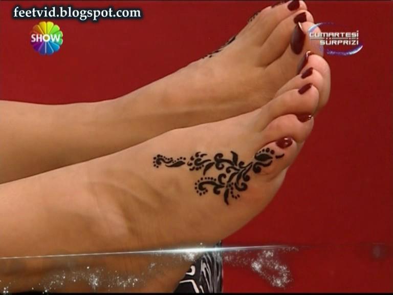 Seda Sayan Feet