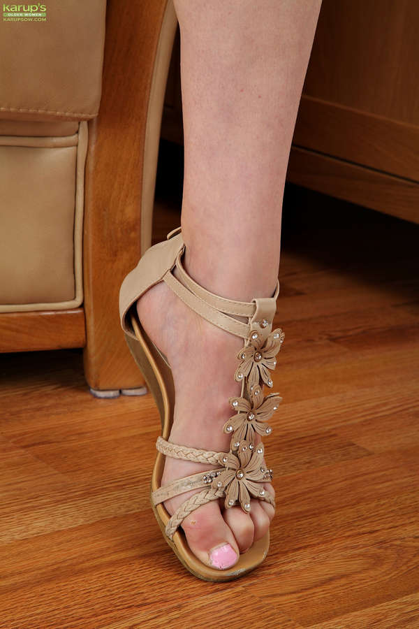 Ashleigh Mckenzie Feet