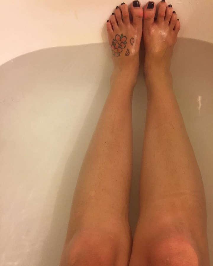 Stacey Arwen Raab Feet