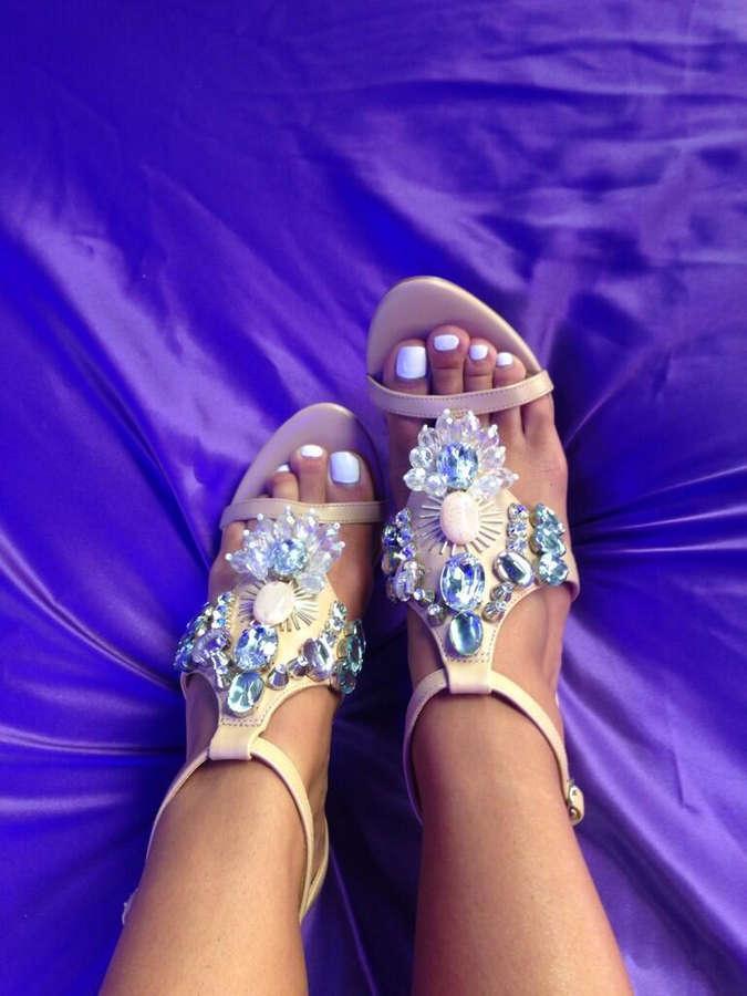 Kara De La Hoyde Feet