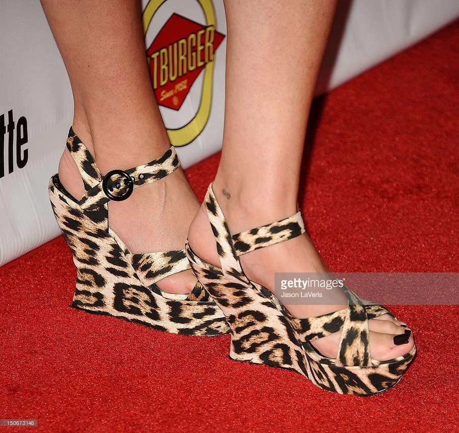 Lindsay Sloane Feet