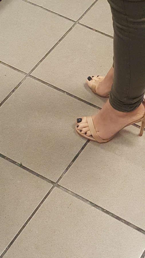 Karla Monroig Feet