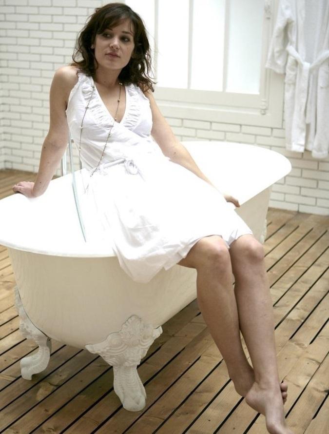 Julie Durand Feet