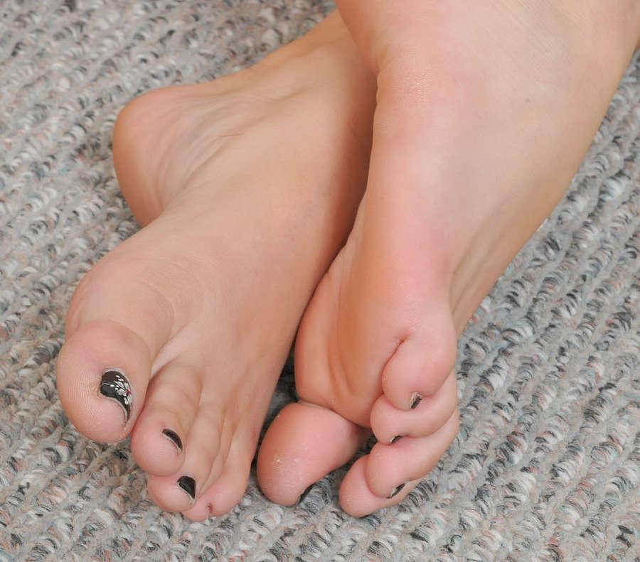 Shay Golden Feet