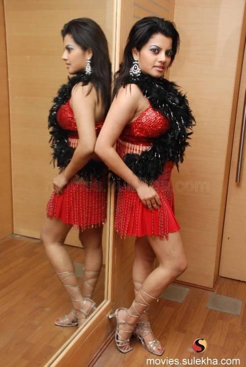 Shraddha Sharma Feet