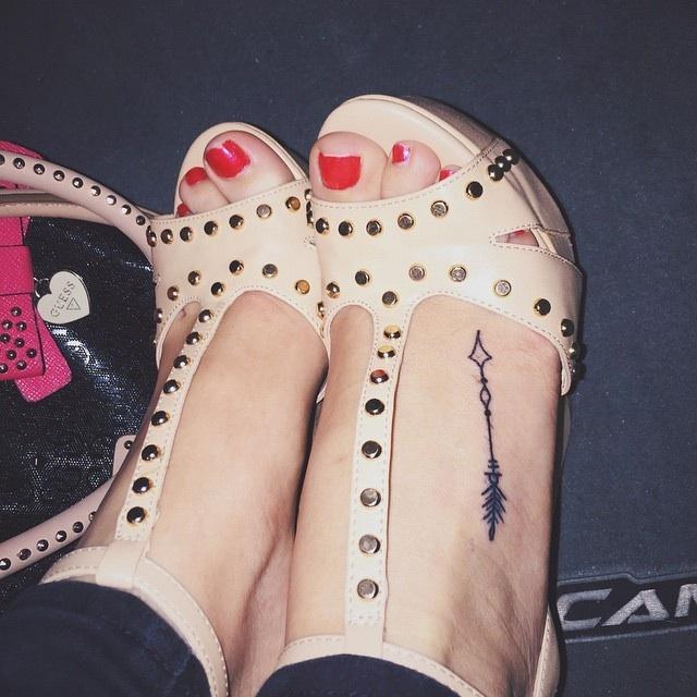 Mercades Danielle Feet