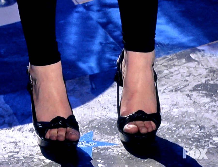 Crystal Bowersox Feet