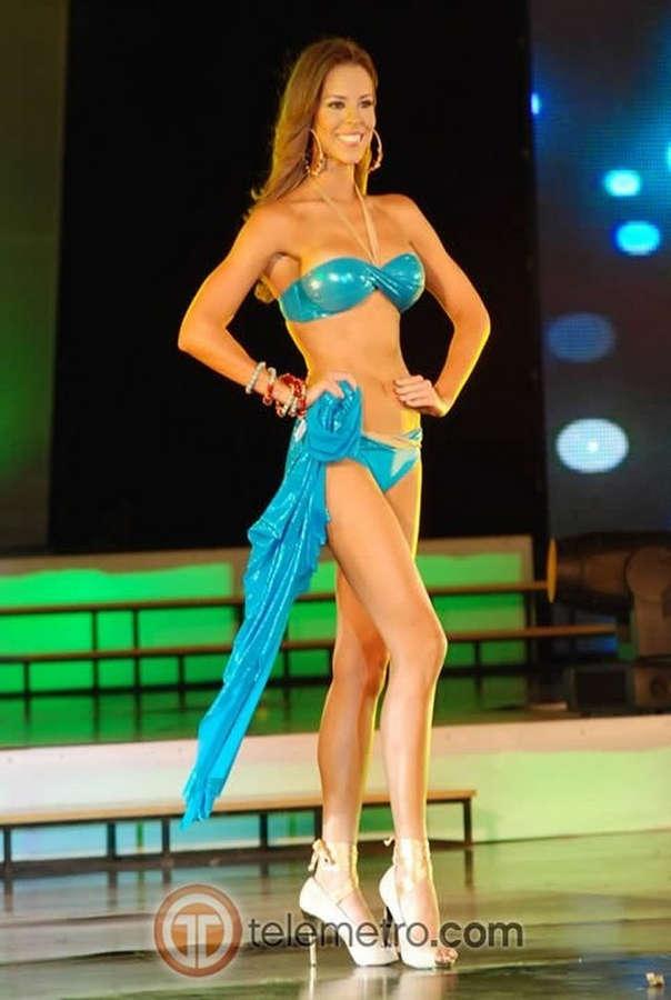 Stephanie Vander Werf Feet