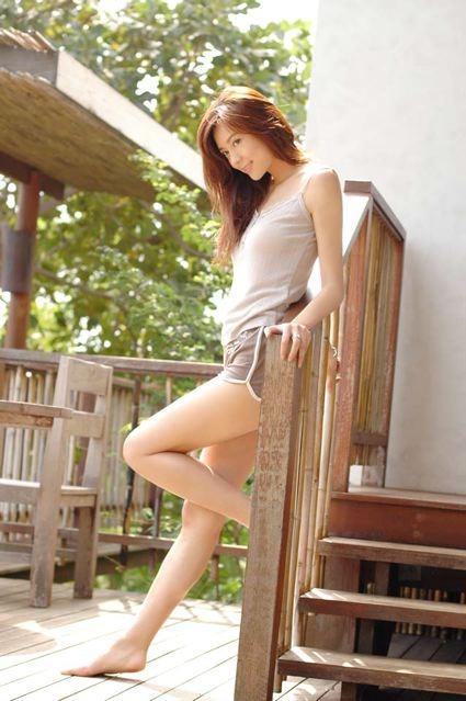 Cica Zhou Feet