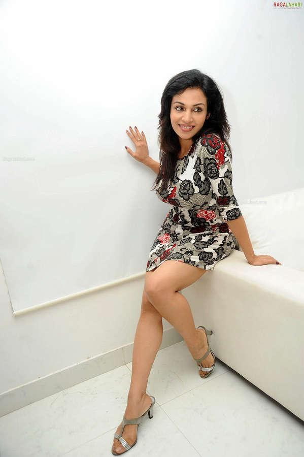 Asha Saini Feet