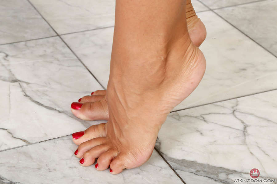Tomi Taylor Feet