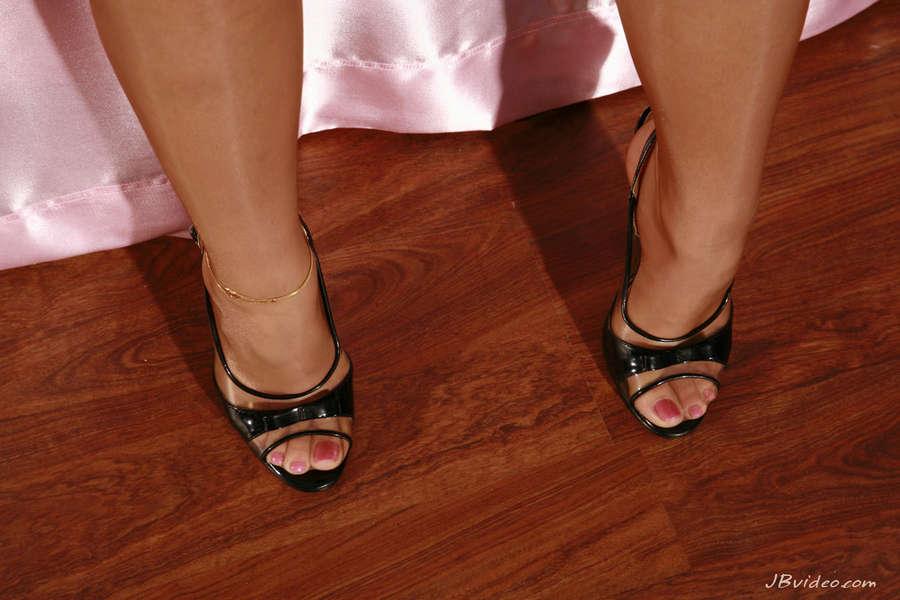 Lindy Lane Feet