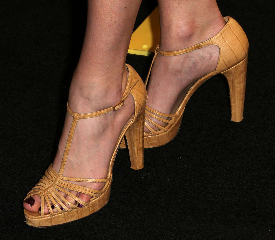 Danielle DiLorenzo Feet