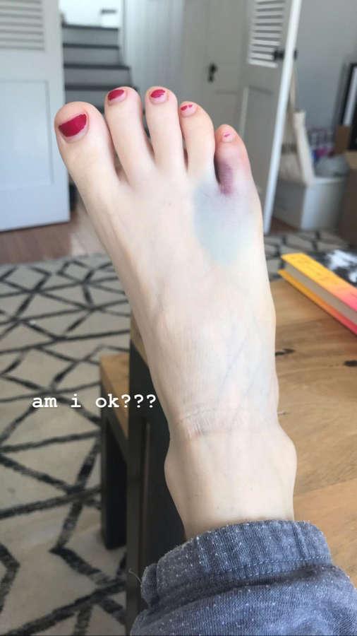 Esther Povitsky Feet