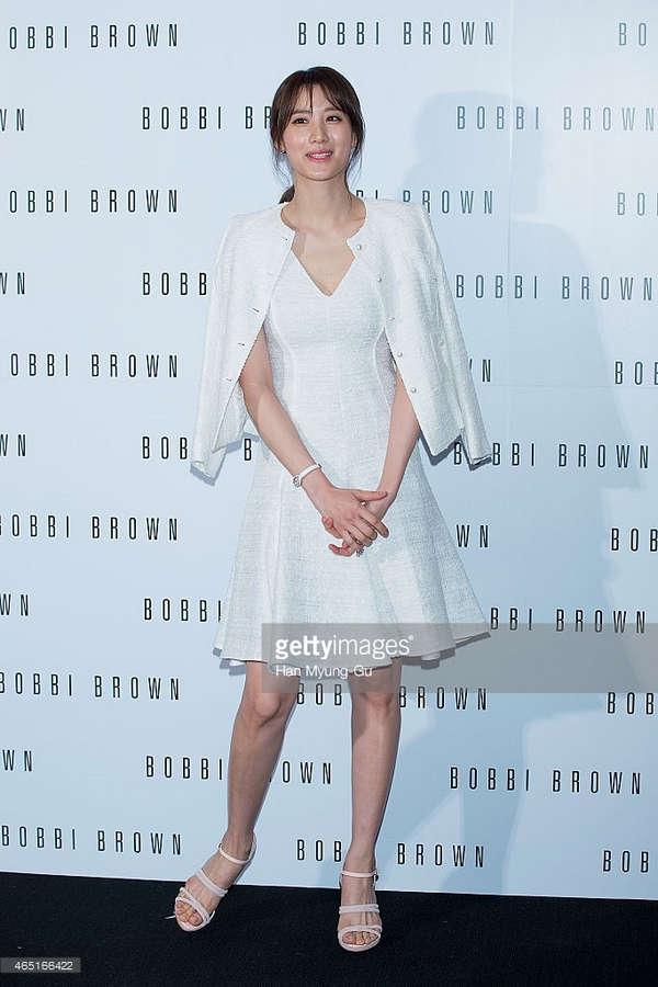 Claudia Kim Feet