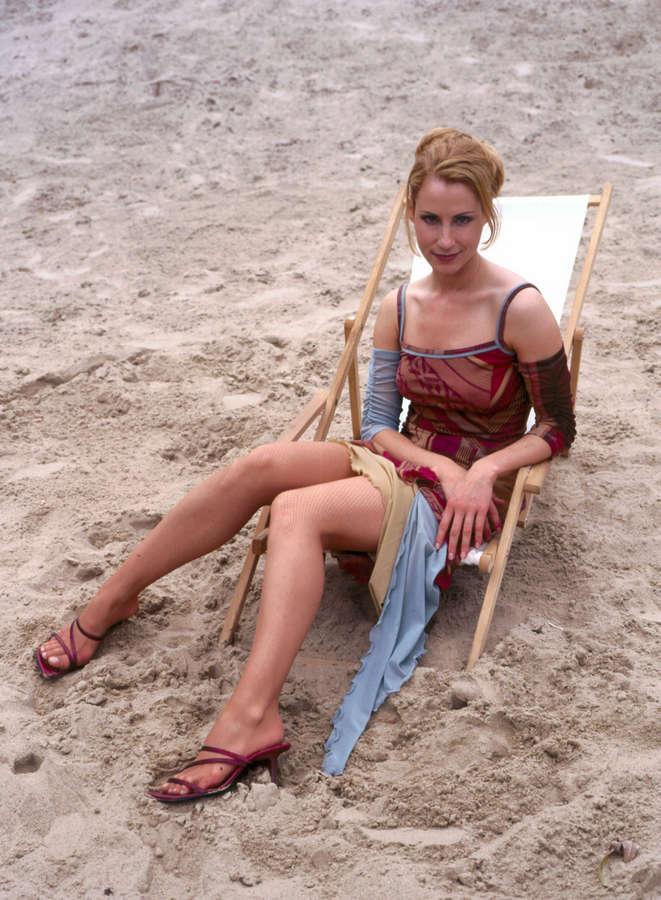 Astrid Posner Feet