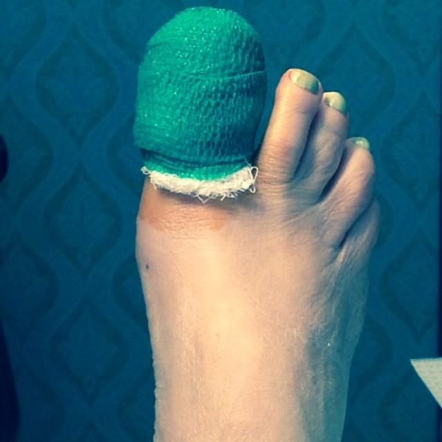 Bette Midler Feet