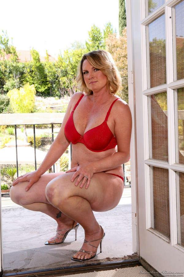 Elizabeth Ann Koshak Feet