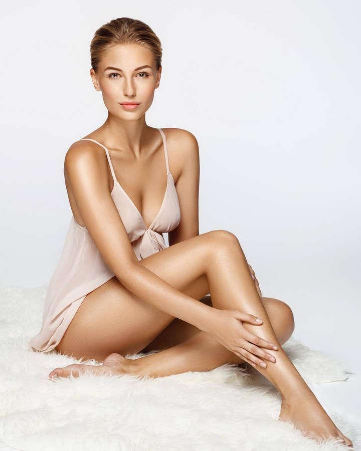 Karolina Malisova Feet