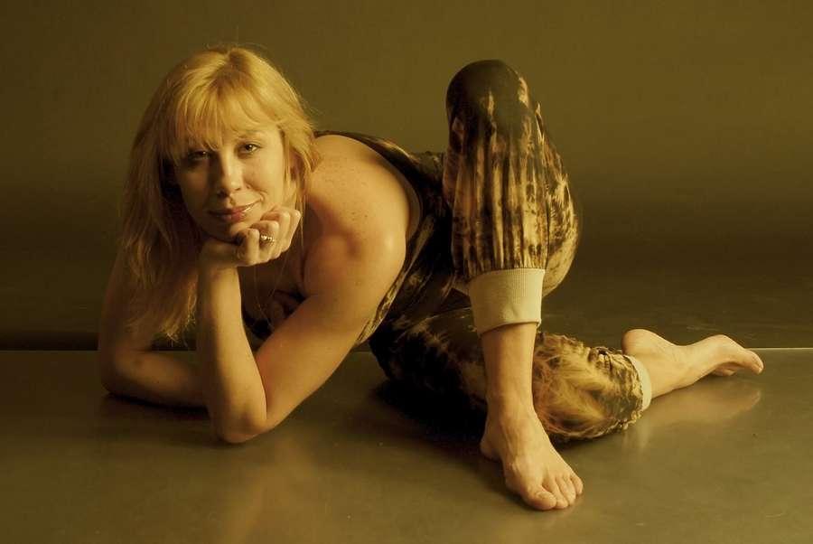 https://celebrity-feet.com/wp-content/uploads/cdn4849/darya-yugrens-feet-10-photos-004.jpg