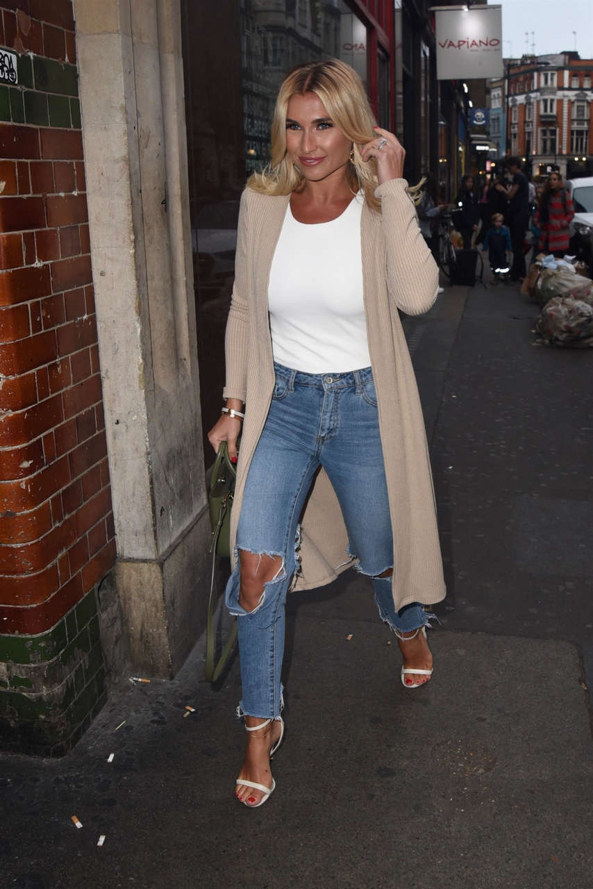 Billie Faiers Feet