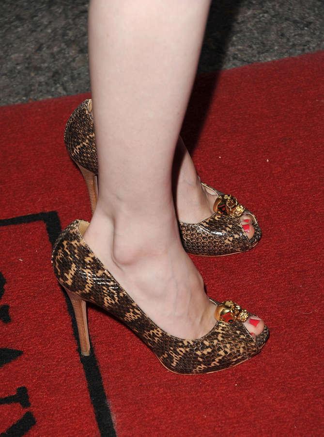 Charlotte Sullivan Feet