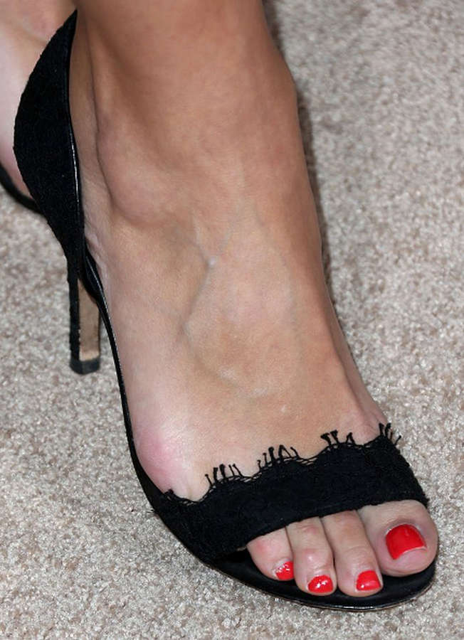 Danielle Vasinova Feet