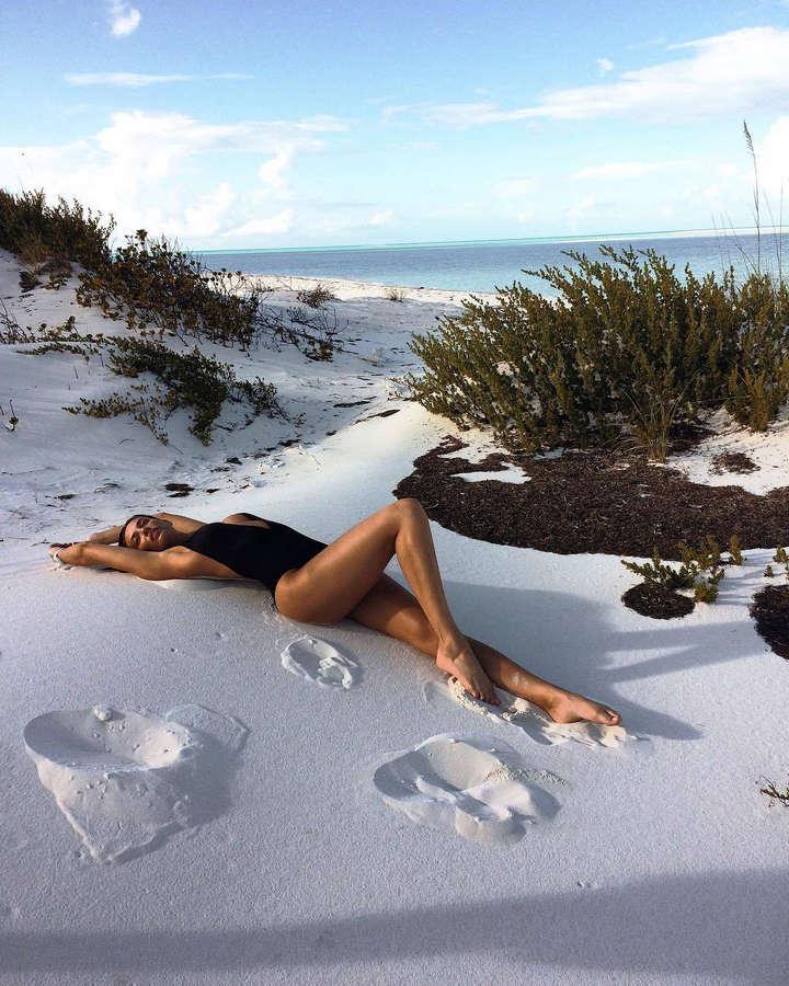 Dana Taylor Feet