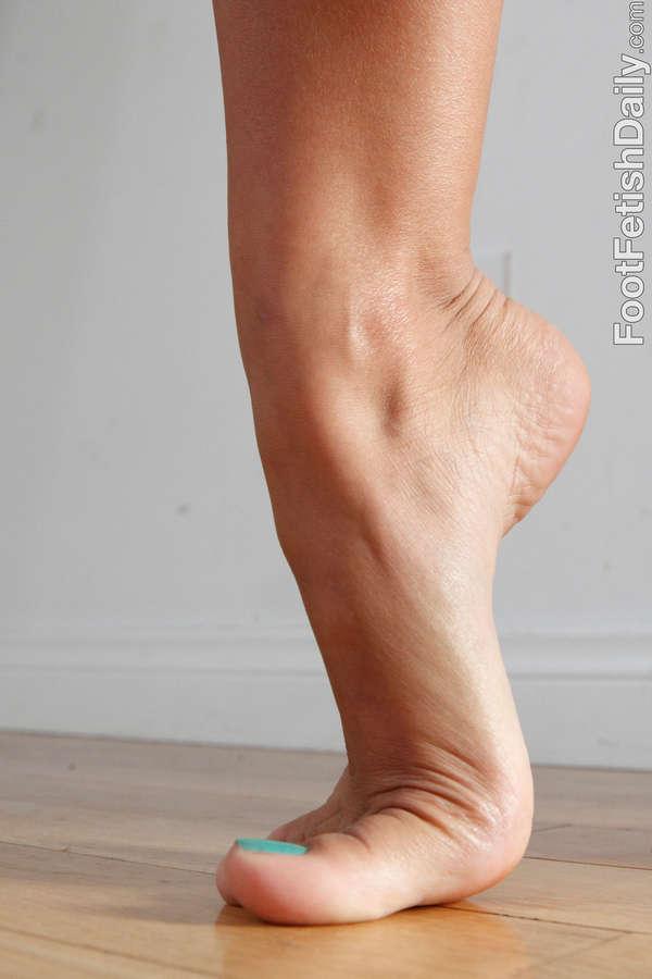 Evi Fox Feet