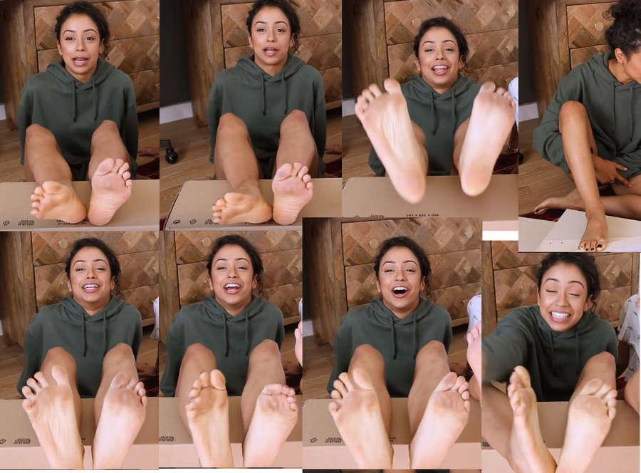 Liza Koshy Feet