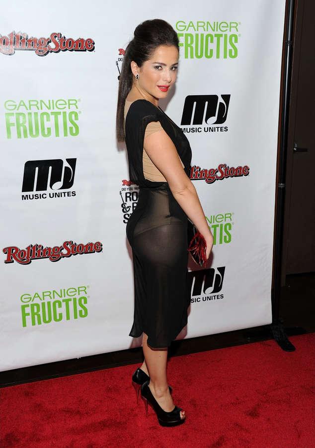 Danna Garcia Feet (5 pictures) - celebrity-feet.com