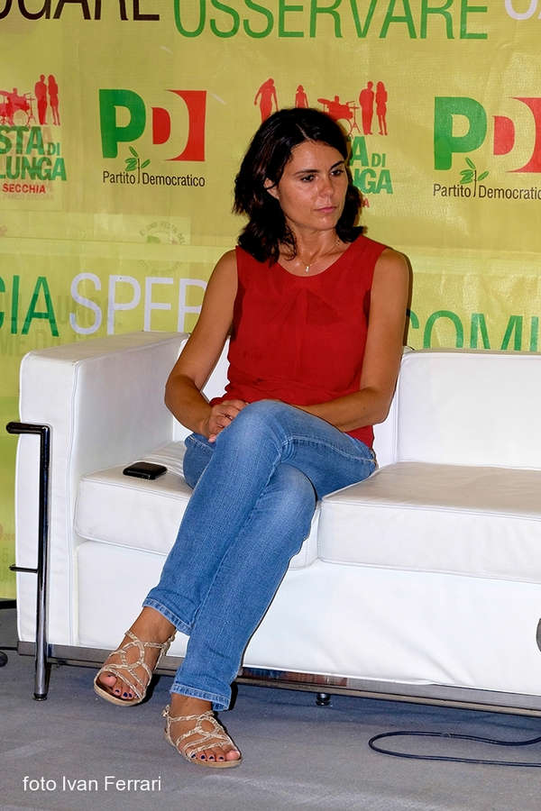 Simona Bonafe Feet