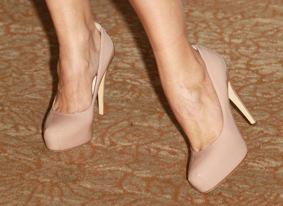 Autumn Reeser Feet