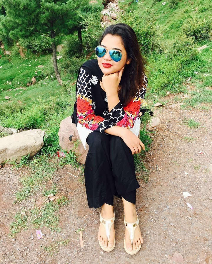 Aisha Yousaf Feet