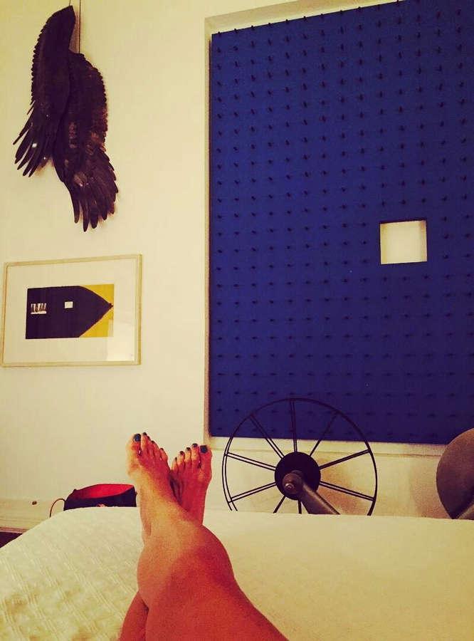 Drena De Niro Feet