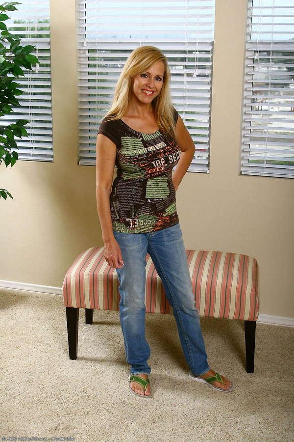 Nicole Moore Feet
