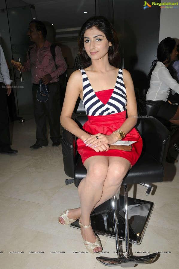 Rekha Sharma Feet