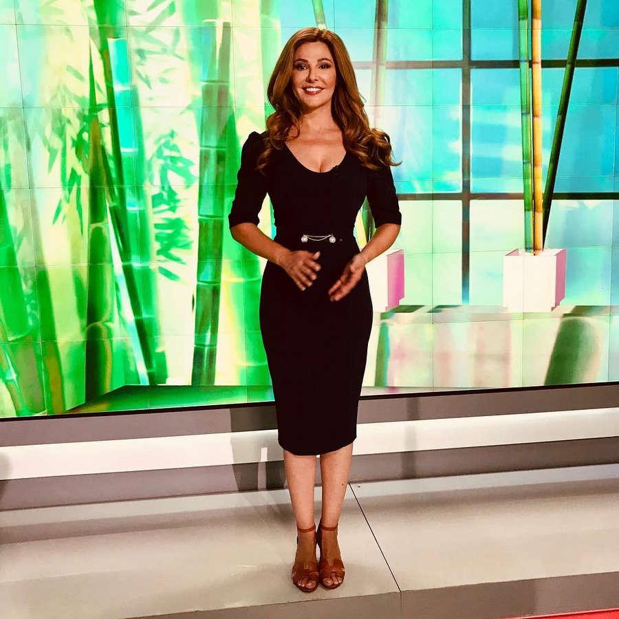 Jennifer Finnigan Feet oana cuzino feet (12 photos) - celebrity-feet