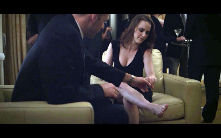 Rachel Brosnahan Feet
