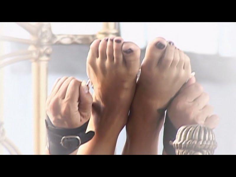 Jaqueline Khury Feet