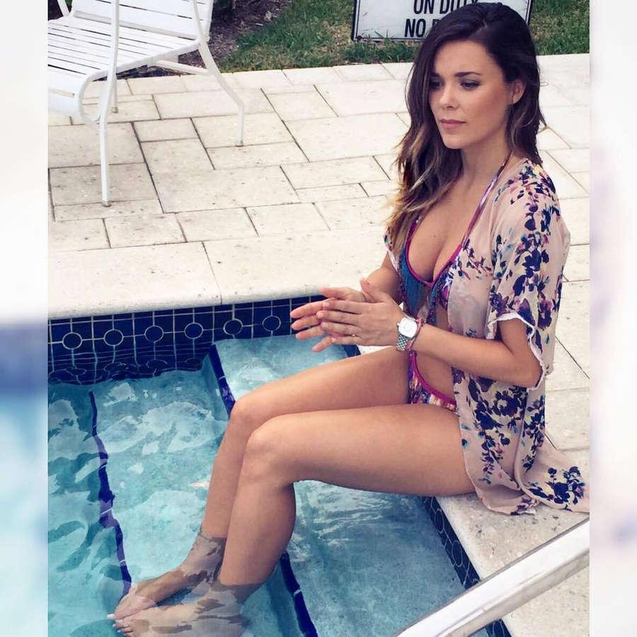 Lorena Gomez Feet