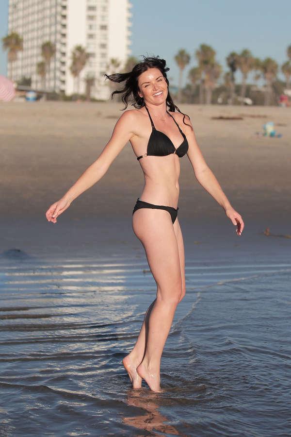 Courtney Robertson Feet