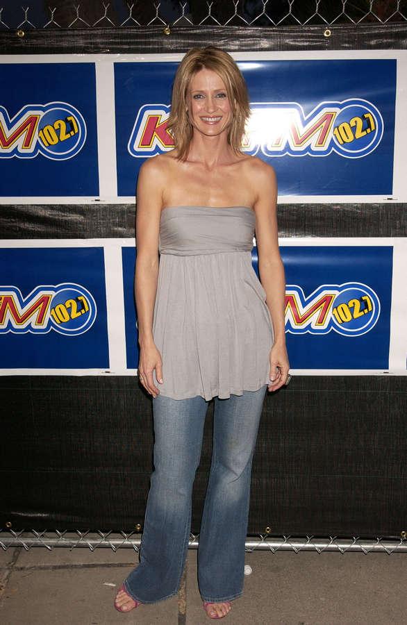 Kelly Rowan Feet